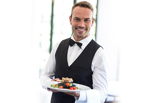 офіціант (офіціантка)